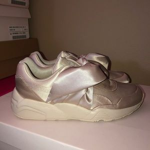 Fenty by Rihanna Puma Women's Bow Sneakers